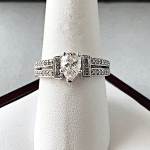 engagement ring pear cut