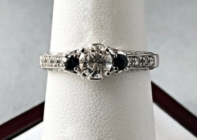 Engagement Ring round brilliant